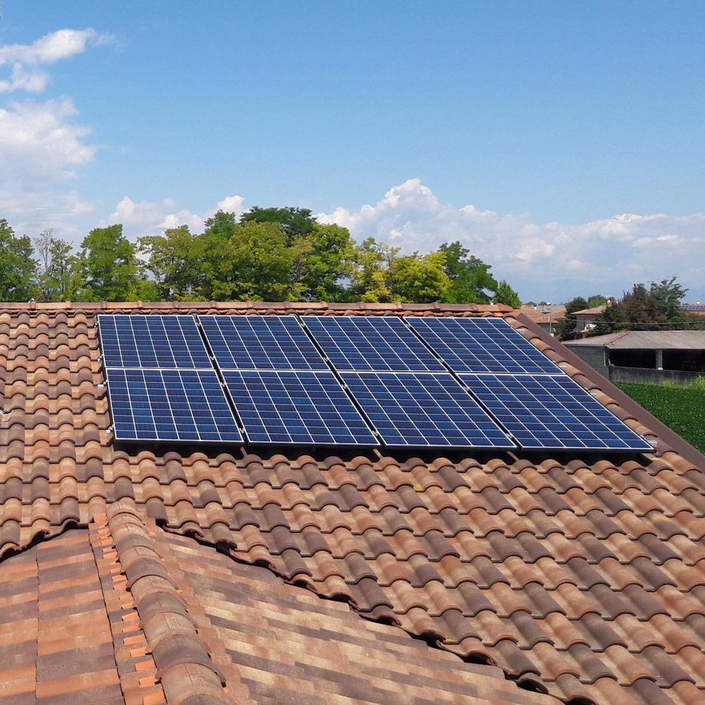 impianto fotovoltaico tetto casa privata ud